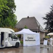 Mit dem Wohnmobil auf Impf-Tour durch den Landkreis Günzburg. So konnten den Sommer über Menschen im Landkreis Günzburg ohne Termin gegen das Coronavirus geimpft werden.