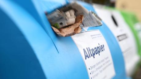 Ein Altpapiercontainer in der Raiffeisenstraße Gundremmingen hat am Donnerstag gebrannt. Der Schaden beträgt etwa 1000 Euro.