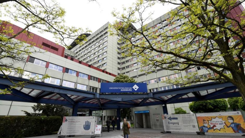 Unter den bayerischen Uniklinika hat das Augsburger Krankenhaus aktuell am meisten Patienten und Patientinnen mit Corona in Behandlung.