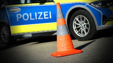 Unfall in Stengelheim: Ein Autofahrer hat beim Linksabbiegen einen Motorradfahrer übersehen.