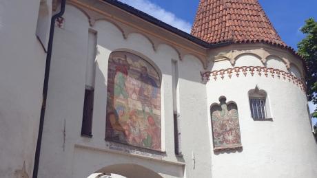 Das Obere Tor und weitere bekannte Bauwerke in Weißenhorn wurden zusammen mit einer Stadtmauer errichtet.