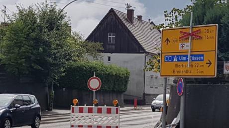 Straßenbaustellen? Die gibt es derzeit in Krumbach - hier in der Babenhauser Straße -  reichhaltig.