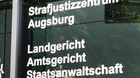 Erneut ist der Mord an einem polnischen Bauarbeiter vor dem Augsburger Landgericht.
