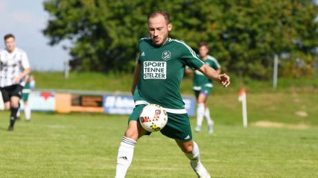 Karlshulds Mittelstürmer Ömer Sali Moustafa wurde fast zum Chancentod. In der 53. Minute traf er jedoch zur zwischenzeitlichen 2:1-Führung für die Grünhemden.