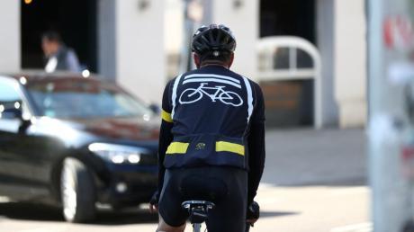Ein Fahrradfahrer aus Ungarn ist mehrere Tage in die falsche Richtung geradelt.