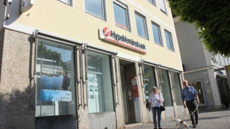 Die Hypovereinsbank in Günzburg gibt zum November 2021 ihren Schalterdienst auf.