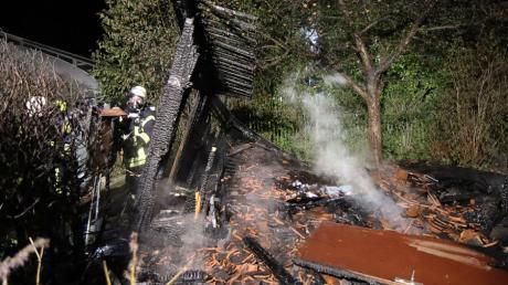 In Dürrlauingen hat ein Gewächshaus gebrannt. Zwei verdächtige Jugendliche wurden vorläufig festgenommen.