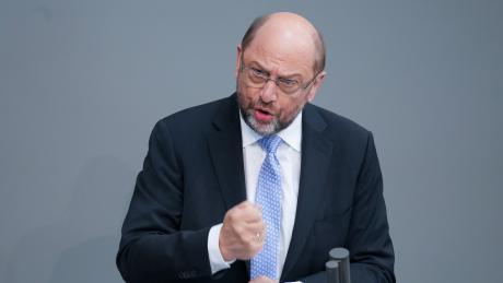 Der frühere EU-Parlamentspräsident Martin Schulz kritisiert Angela Merkels Europapolitik.