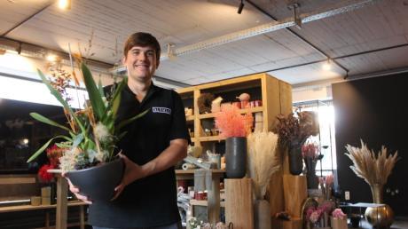 An der Stadtstraße in Burgau eröffnet der neue Blumenladen Blümlii. Geführt wird er von Alexander Schmucker, geleitet aber von einer Floristin.