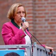 AfD-Politikerin Beatrix von Storch sprach bei einem Wahlkampfauftritt auf dem Petrusplatz in Neu-Ulm.
