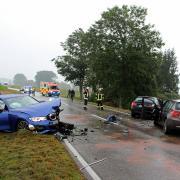 Ein Schaden von etwa 110.000 Euro ist bei einem Unfall zwischen Illertissen und Buch entstanden.