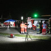 Ein Großaufgebot an Einsatzkräften hat in der Nacht nach einer vermissten Frau gesucht. Nun ist sie wieder gefunden worden.