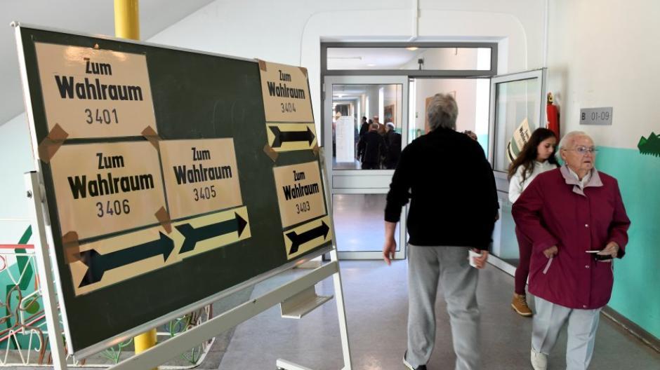 Am Sonntag werden in Augsburg und Königsbrunn die Wahllokale um 8 Uhr öffnen.