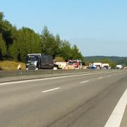 Auf der A96 hat sich zwischen Erkheim und Holzgünz ein schwerer Unfall ereignet.