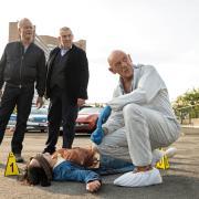 """Freddy Schenk (Dietmar Bär) und Max Ballauf (Klaus J. Behrendt) bei der Leiche: Lesen Sie die Tatort-Kritik zu """"Der Reiz des Bösen."""""""