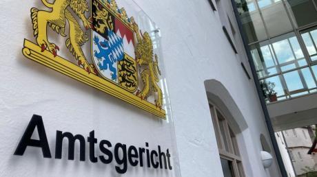 Das Amtsgericht Nördlingen hat einen Mann aus Donauwörth verurteilt, der reihenweise Straftaten beging.