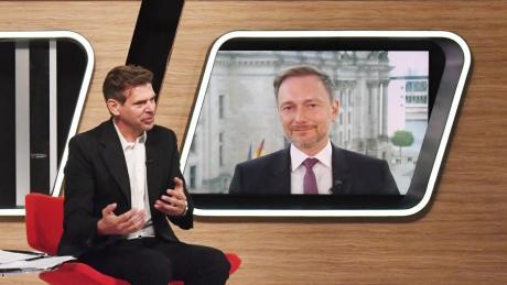 Chefredakteur Gregor Peter Schmitz im Gespräch mit FDP-Chef Christian Lindner.