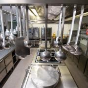 Gastronomen im Landkreis haben große Probleme, geeignetes Personal zu finden. Entsprechend müssen viele Lokale ihr Angebot einschränken. In der Folge bleibt die Küche an manchen Tagen kalt.
