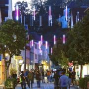 """""""Neuburg leuchtet"""" zog vor allem am Freitag die Menschen in die Innenstadt. Am Freitag waren einige Besucher nicht mit der Veranstaltung zufrieden."""