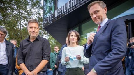 Eingerahmt vom künftigen Finanzminister? Grünen-Chefin Annalena Baerbock mit Robert Habeck und Christian Lindner.