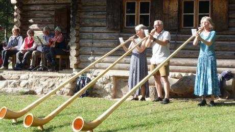 Alphornklänge umrahmten die Bergmesse des Dießener Alpenvereins an der Dießener Hütte.