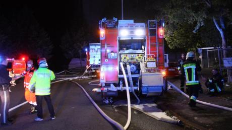 Bei einem Brand in einem Hochhaus in Ingolstadt kam eine Frau ums Leben.