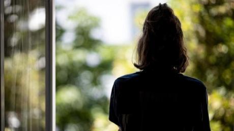 Psychische Störungen bei Frauen haben in der Pandemie deutlich mehr zugenommen als bei Männern.