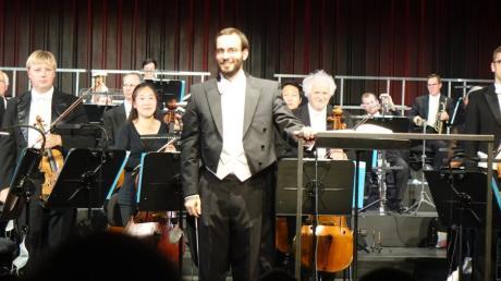 Felix Bender hat am Theater Ulm sein Konzertdebüt gegeben. Auch Beethovens 7. Sinfonie stand auf dem Programm.