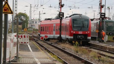 Im Nördlinger Bahnhof ist ein Zug entgleist.