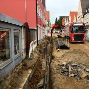 Dauerbaustelle Bahnhofstraße: Nachdem scheibchenweise weitere schlechte Nachrichten bekannt werden, ist der Ärger groß - bei den Anwohnern ebenso wie bei den Stadträten.