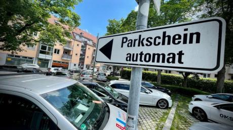 Parkscheine müssen in Ulm bis 20 Uhr am Abend gezogen werden, voraussichtlich ab September 2022 wird die gebührenpflichtige Zeit bis 22 Uhr verlängert.