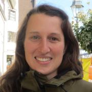 Angela Rieblinger aus Schrobenhausen hat bemerkt, dass es weniger Holz gibt.