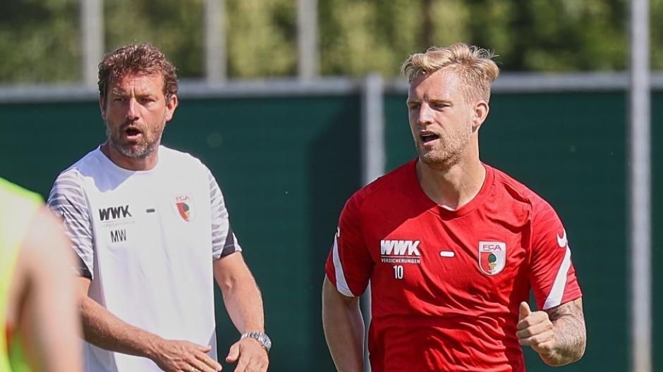 Eigentlich sollte Arne Maier FCA-Coach Markus Weinzierl am Freitag zur Pressekonferenz begleiten, doch er kränkelte.