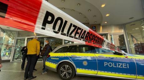 Am 15. Oktober wurde Galeria Kaufhof in Ulm von der Polizei geräumt, nun ist ein mutmaßlicher Erpresser verhaftet worden.