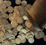 In Augsburg wurde ein Schatz von römischen Silbermünzen gefunden.