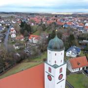 Die Illerberger St.-Martins-Kirche und das Pfarrheim daneben sind zu einem Anlaufpunkt für Hilfesuchende auch weit über den Ort hinaus geworden.