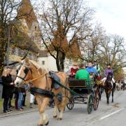 In diesem Jahr werden keine Menschen die Umzugsstrecke säumen. Der Leonhardiritt in Weißenhorn wird ohne Zuschauerinnen und Zuschauer ausgerichtet.