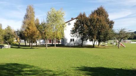 Gleich hinterhalb des Vereinsheims des TSV Mittelneufnach soll eine neue Stockschützenanlage entstehen. Die Pläne hierzu wurden in der Gemeinderatssitzung vorgestellt.