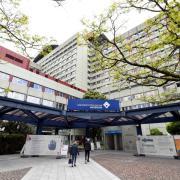 In Augsburg steigen die Infektionszahlen. Die Uniklinik hat indes erste Zahlen zur Wirkung des Impfschutzes.