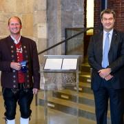 Von Söder ausgezeichnet: Wolfgang Metz hält die Tradition der Jagdhornbläserei hoch und engagiert sich in der Musikkapelle Beuren.