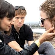 """Bekommen in der Tatort-Kritik zu """"Blind Date"""" viel Lob: die blinde Rosa (Henriette Nagel), Sophie (Anica Happich) und Moritz (Jan Bülow)."""