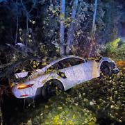 Ein Sachschaden von rund 400.000 Euro ist am Sonntagabend bei einem Verkehrsunfall bei Utting entstanden.