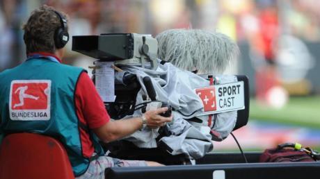 Die Einnahmen aus dem TV-Vertrag sind die für die Bundesligavereine die größte Einnahmequelle.