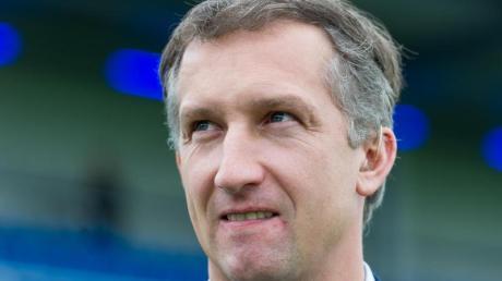 Frank Baumann, der Geschäftsführer Sport von Werder Bremen, sieht sein Team derzeit in schwierigen Zeiten. Die Norddeutschen sind mit zwei Niederlagen in die Saison gestartet.