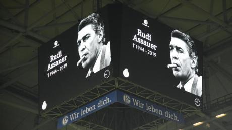 Der FC Schalke 04 plant eine Trauerfeier für Rudi Assauer.