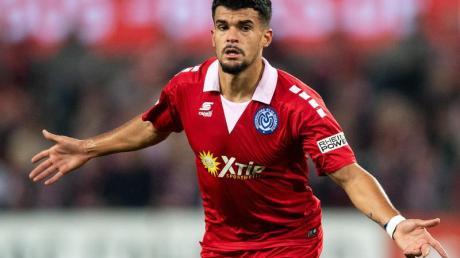 Cauly Oliveira Souza kommt aus Duisburg nach Paderborn. Foto: Marius Becker