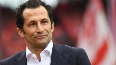 Der Münchner Sportdirektor Hasan Salihamidzic kündigt weitere Transfers an.