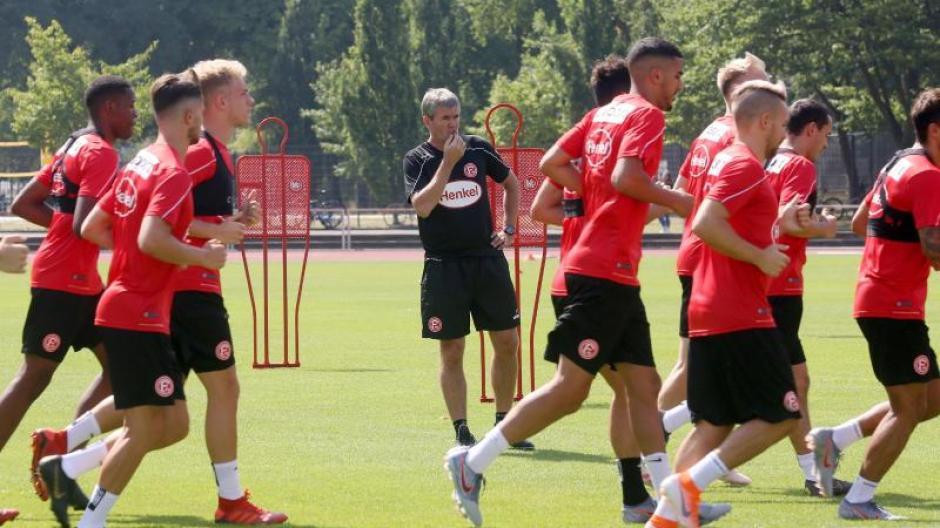 Fussball Bundesliga Dusseldorfer Mussen Im Trainingslager In