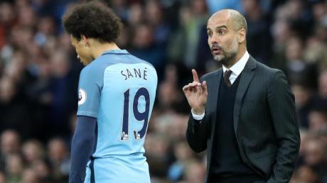 Kann nach den Worten von Manchester Citys Trainer Pep Guardiola (r) gehen, wenn er will: Leroy Sané.