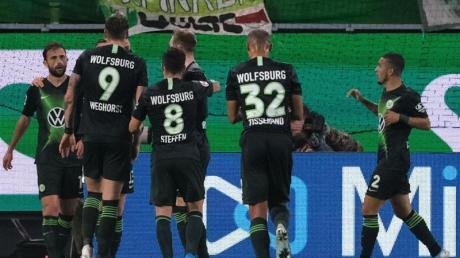 Wolfsburg spielt heute am 12.12.19 in der Europa League gegen AS Saint-Étienne. Bei uns gibt es die Infos zur Übertragung im Live-Stream. Wird das Spiel auch im Free-TV gezeigt?